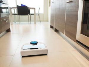 neato-robotics-botvac-d85-demo